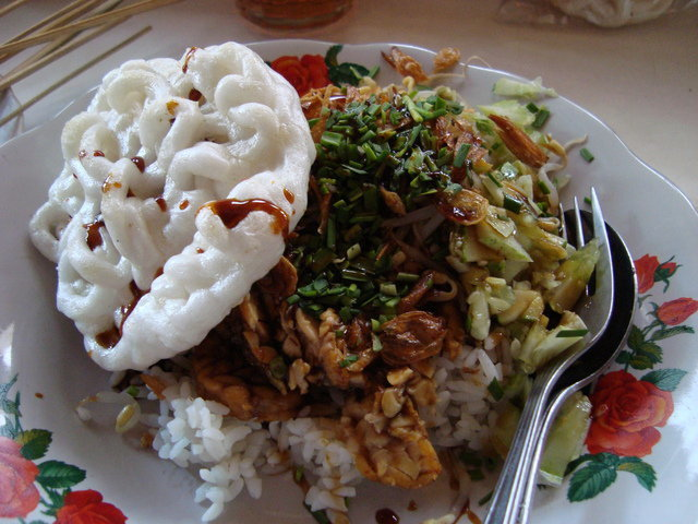 Nasi Lengko Kuliner Kaya Akan Protein
